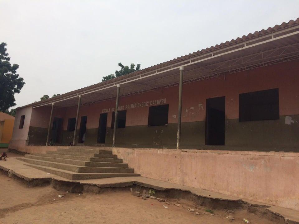 Escola Primária Calumbo